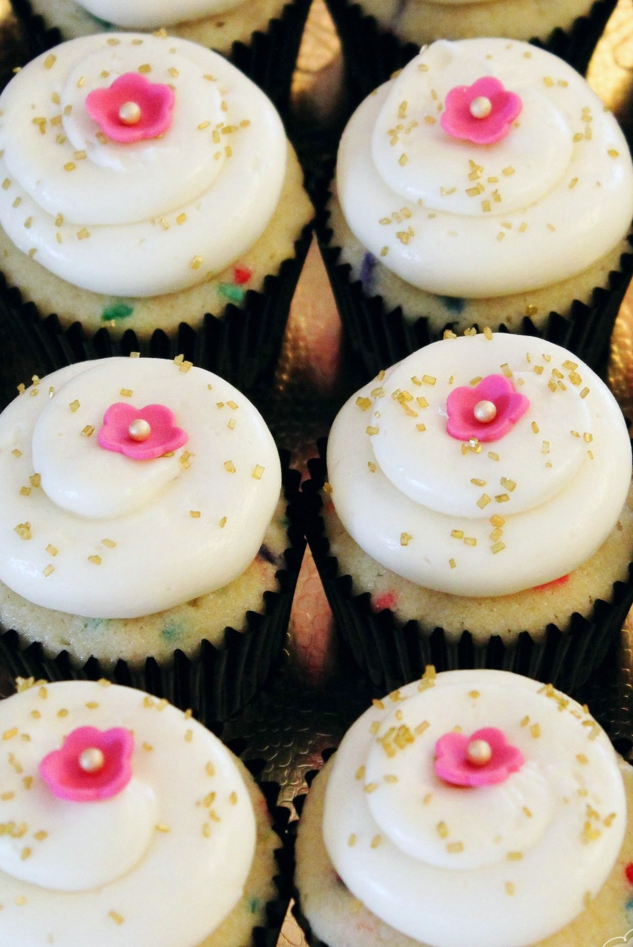 kate spade themed bridal shower cupcakes