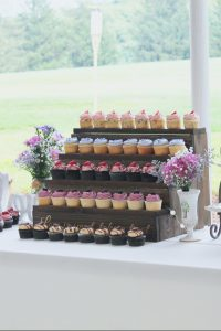 wedding-cupcake-display-from-four-oaks-bakery-in-pittsburgh-pa